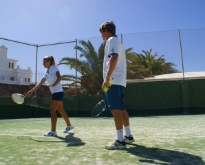 Tennis package - Adult Tennis Camp - Intermediate players